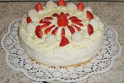 Erdbeer-Raffaello-Torte 178