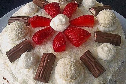 Erdbeer-Raffaello-Torte 53