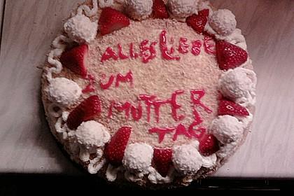 Erdbeer-Raffaello-Torte 234