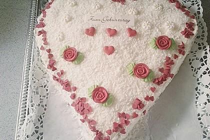 Erdbeer-Raffaello-Torte 125