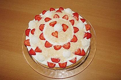 Erdbeer-Raffaello-Torte 74