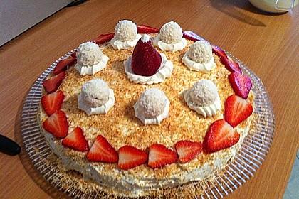 Erdbeer-Raffaello-Torte 166