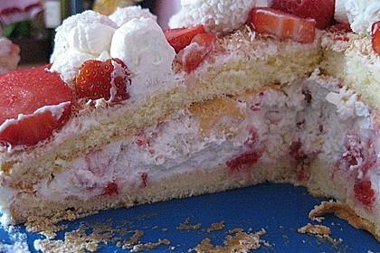 Erdbeer-Raffaello-Torte 199