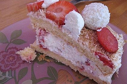 Erdbeer-Raffaello-Torte 184