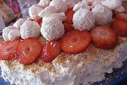 Erdbeer-Raffaello-Torte 129