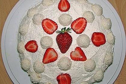 Erdbeer-Raffaello-Torte 104