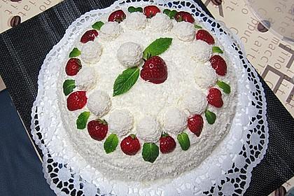 Erdbeer-Raffaello-Torte 15