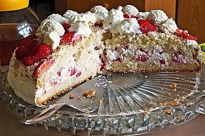 Erdbeer-Raffaello-Torte 46