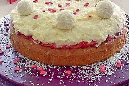 Erdbeer-Raffaello-Torte 196
