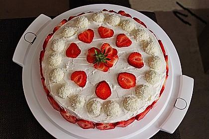 Erdbeer-Raffaello-Torte 22