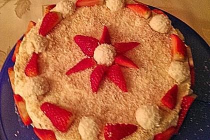 Erdbeer-Raffaello-Torte 94