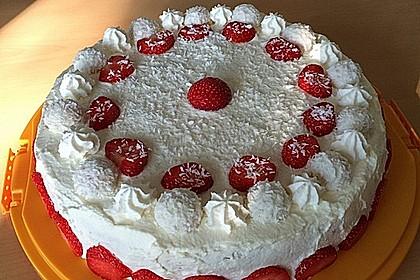 Erdbeer-Raffaello-Torte 100