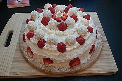 Erdbeer-Raffaello-Torte 124