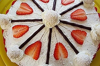 Erdbeer-Raffaello-Torte 139