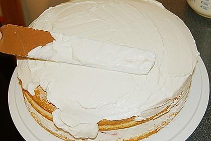 Erdbeer-Raffaello-Torte 159