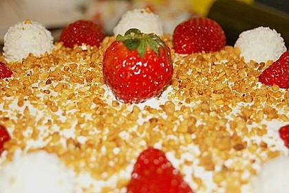 Erdbeer-Raffaello-Torte 205