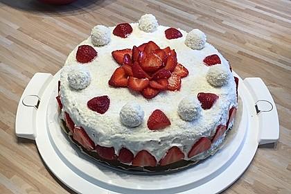 Erdbeer-Raffaello-Torte 71