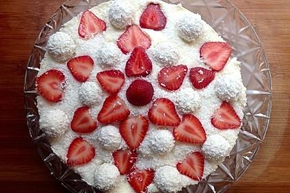 Erdbeer-Raffaello-Torte 133