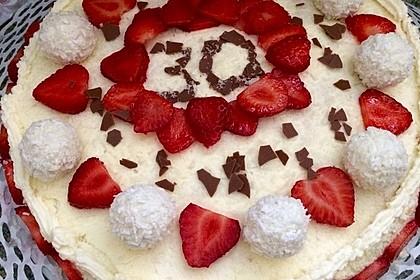 Erdbeer-Raffaello-Torte 128