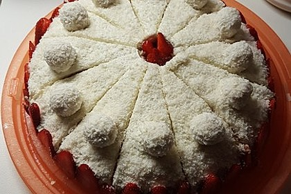 Erdbeer-Raffaello-Torte 102