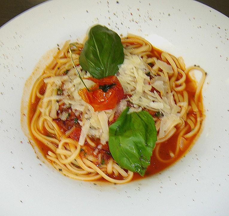 spaghetti mit tomatenso e von t biggi. Black Bedroom Furniture Sets. Home Design Ideas