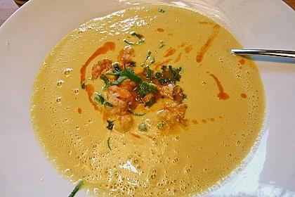 Maissuppe mit Scampi