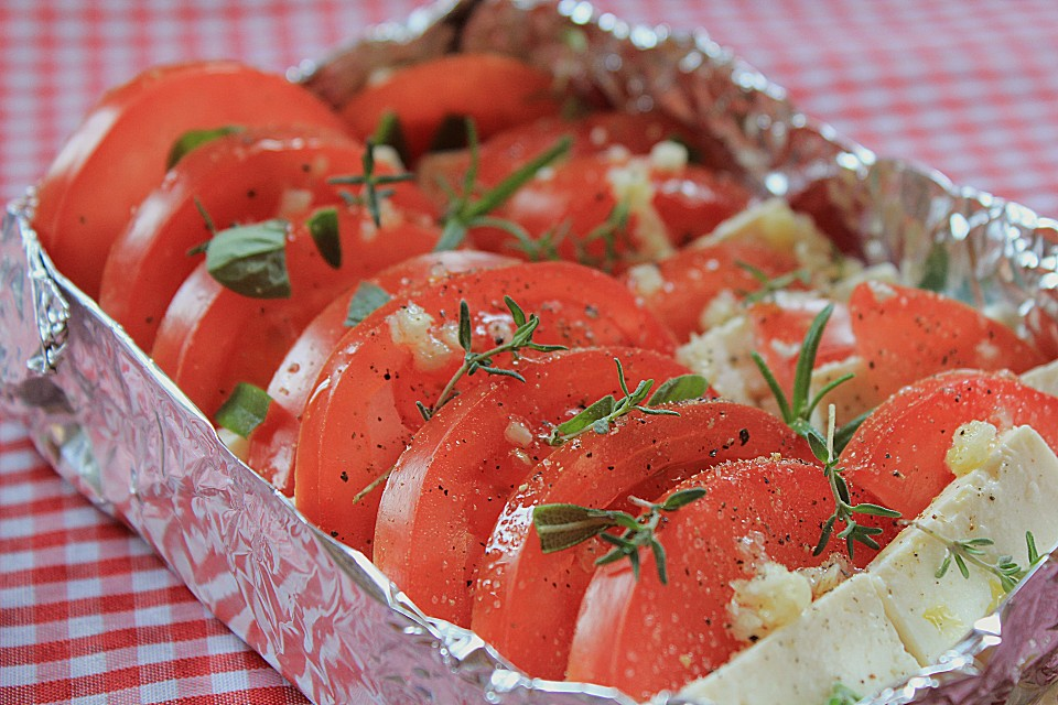 tomate mit feta vom grill rezept mit bild von monika m. Black Bedroom Furniture Sets. Home Design Ideas