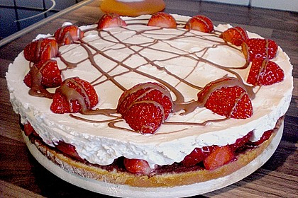 Erdbeer-Mascarpone-Torte 30