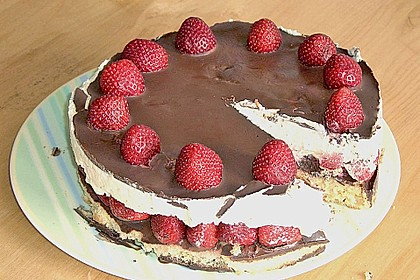 Erdbeer-Mascarpone-Torte 144