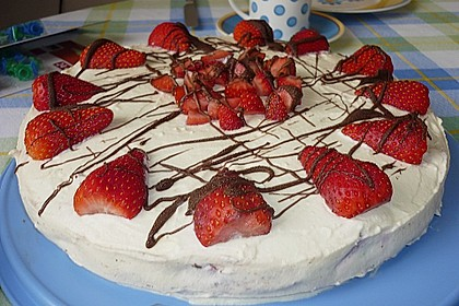Erdbeer-Mascarpone-Torte 126