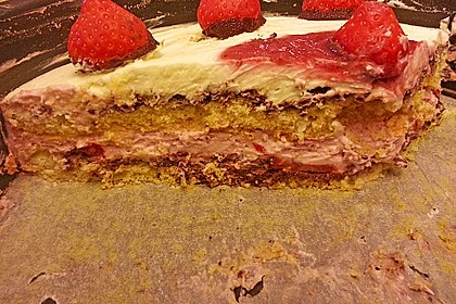Erdbeer-Mascarpone-Torte 132