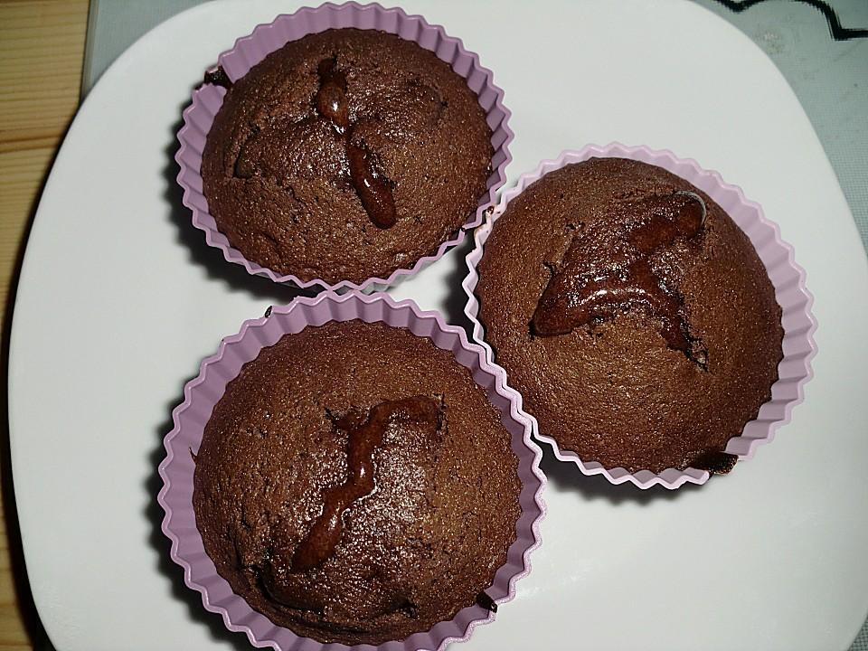 schokoladenkuchen mit fl ssigem herz und gebratenen babybananen mit basilikum rezepte suchen. Black Bedroom Furniture Sets. Home Design Ideas
