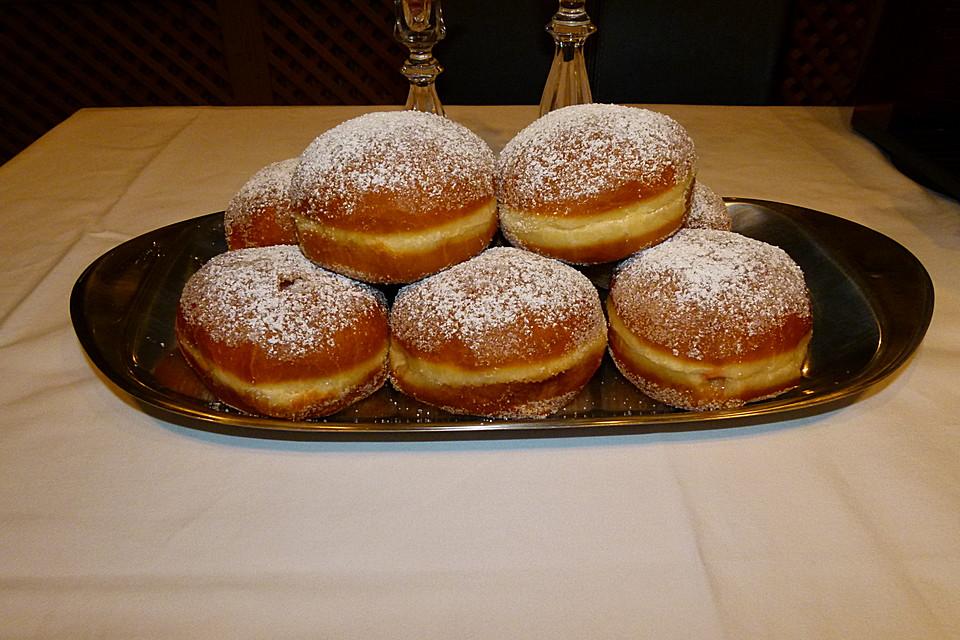 berliner pfannkuchen rezept mit bild von gaby2704. Black Bedroom Furniture Sets. Home Design Ideas