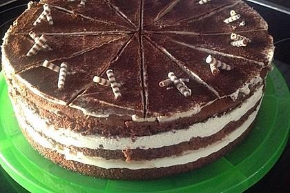 Schnelle Tiramisu - Torte mit Kirschen