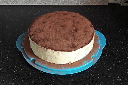 Schnelle Tiramisu - Torte mit Kirschen 6