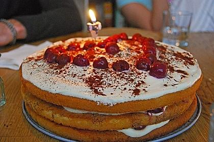 Schnelle Tiramisu - Torte mit Kirschen 15
