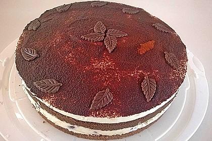 Schnelle Tiramisu - Torte mit Kirschen 2