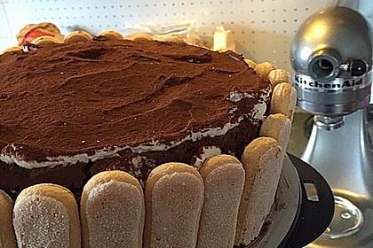 Schnelle Tiramisu - Torte mit Kirschen 20