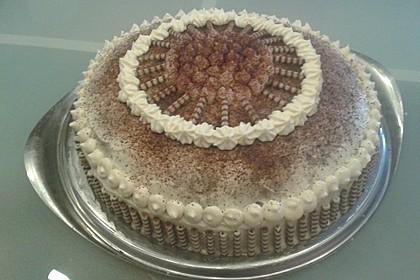 Schnelle Tiramisu - Torte mit Kirschen 4