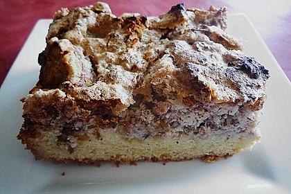 Rhabarberkuchen mit Nussbaiser 13