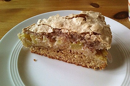 Rhabarberkuchen mit Nussbaiser 7