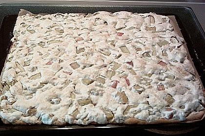 Rhabarberkuchen mit Nussbaiser 30