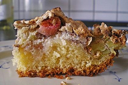 Rhabarberkuchen mit Nussbaiser 5