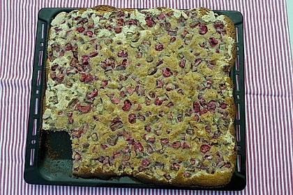 Rhabarberkuchen mit Nussbaiser 15