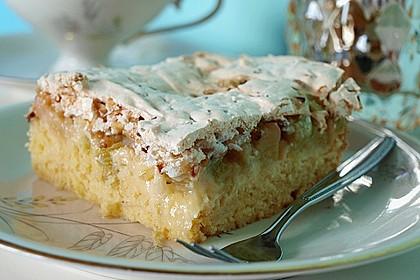 Rhabarberkuchen mit Nussbaiser 0