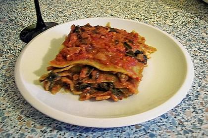 Lasagne mit Mangold und Tomatensauce