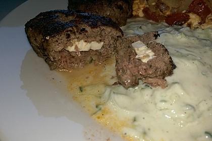 Beefsteaks mit Schafskäse 49