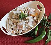 Nudelsalat mit Schinken und Gemüse