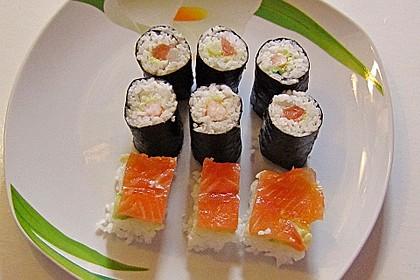 Leckere Maki - Sushi mit Surimi 0