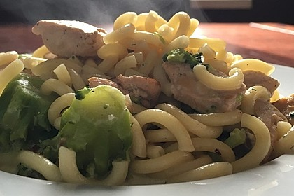 Lachs - Brokkoli - Sahne - Sauce 4